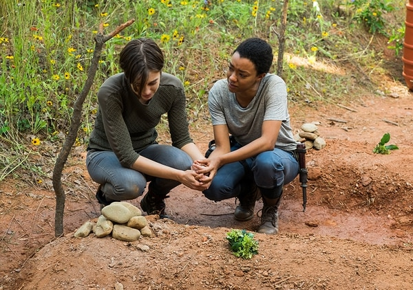 Maggie (Lauren Cohan) y Sasha (Sonequa Martin-Green) recordaron a sus respectivas parejas.