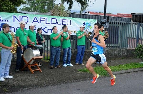 Ian Burrell ganó en el Reto Powerade y ahora buscará hacer lo mismo en los 21 kilómetros en la Maratón Costa Rica.