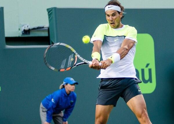 Rafael Nadal sumó 40 errores no forzados y tan solo 18 tiros ganadores en su derrota de ayer. El español admite sentirse inseguro. | EFE