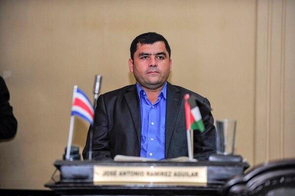 El diputado José Ramírez, del FA; alegó que 'razones políticas' lo llevaron a despedir a tres de sus asesores. Ellos, presuntamente, no respaldaron a la tendencia de Ramírez durante las asamblea provinciales del partido en Heredia.