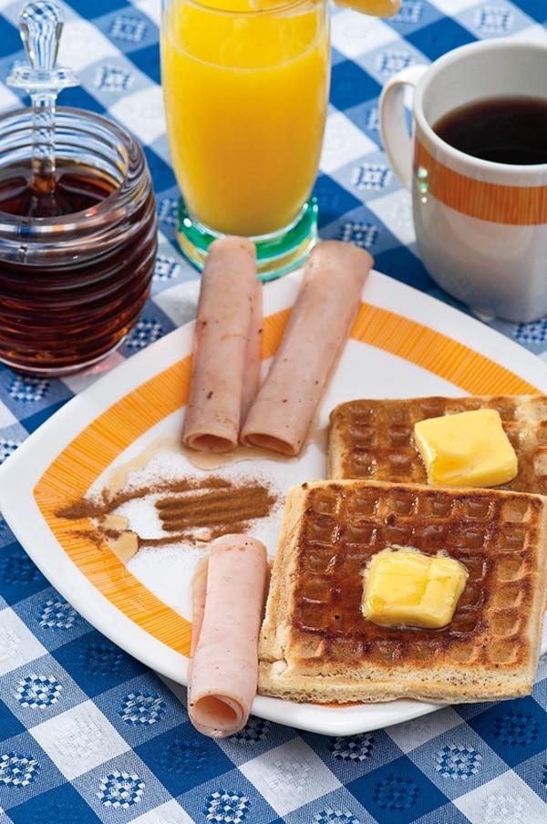 Use su creatividad con los componentes de este desayuno en el momento de ponerlo en el plato.
