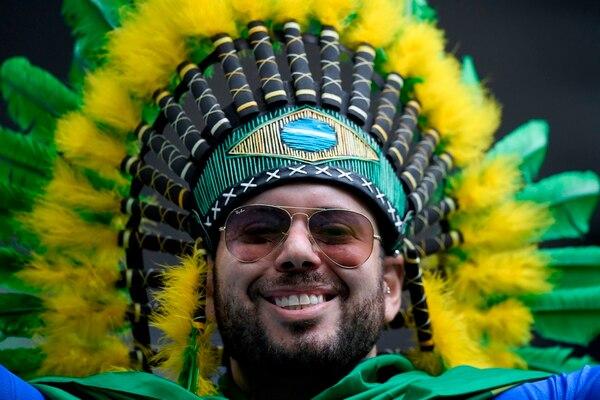 La afición brasileña disfruta del previo. AFP.