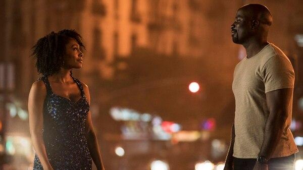 Esta serie es protagonizada por el héroe de Harlem que recibió sus poderes después de un brutal experimento.