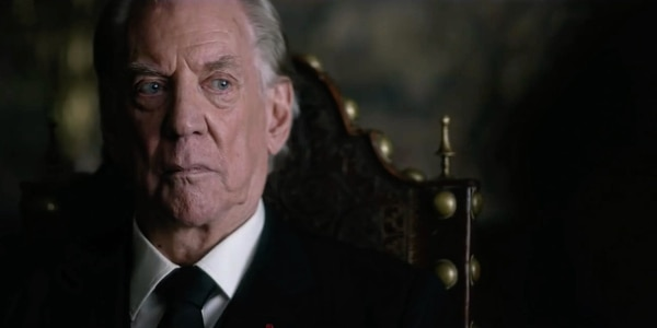 Donald Sutherland interpreta a J. Paul Getty, un millonario petrolero, en 'Trust'.
