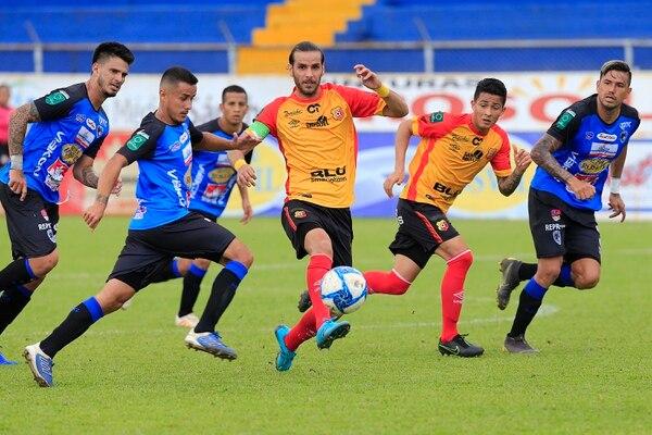Yendrick Ruiz marcó uno de los dos goles del Herediano ante Grecia. Foto: Rafael Pacheco