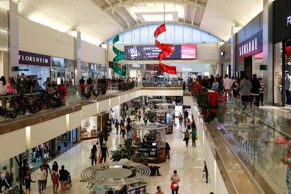 La recaudación del impuesto de ventas, a nivel interno, apenas aumentó un 2% en los primeros nueve meses del año respecto a igual periodo anterior, lo cual es señal de que las personas frenaron sus compras. Fotografía José Cordero