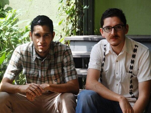 Los editores de la revista Buensalvaje son Alberto Calvo (izq) y Diego Jiménez. | ANDREA MICKUS PARA LN.