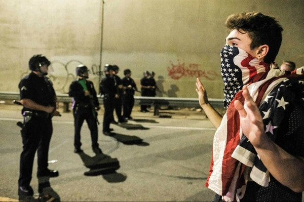 Manifestaciones contra el nuevo presidente de los Estados Unidos en Los Ángeles.