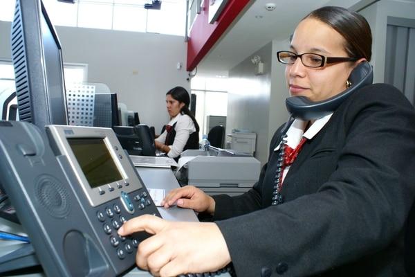 En Costa Rica existen 12 empresas autorizadas y con numeración asignada por la Sutel para brindar el servicio, de las cuales ocho lo están comercializando.