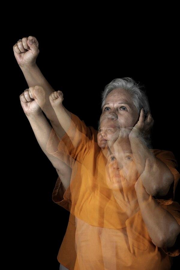 María Infante, de 61 años, es pionera de la lucha por los derechos de la comunidad sorda. Ella es costarricense, y buena parte de su educación la hizo en España.   FOTO: ADRIÁN ARIAS