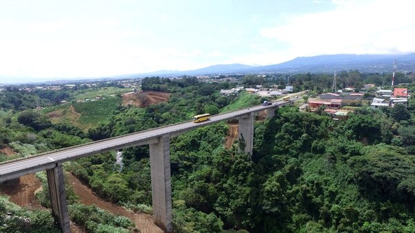 La ampliación de los puentes sobre el río Virilla, en la ruta 32 a la altura de Tibás y en Lindora, Santa Ana y el paso a desnivel en la rotonda de Las Garantías Sociales son tres de los proyectos encomendados a Unosp para su realización.