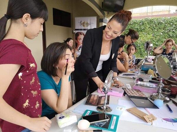 Lussania Víquez dice que los talleres se viven con mucha cordialidad y alegría entre todas las participantes. Fotografía: Nancy Zavala.