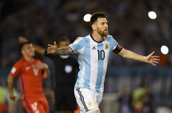 Lionel Messi abrió la cuenta ante Chile
