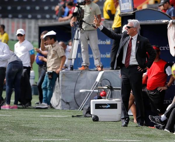 Benito Floro es técnico y gerente deportivo de Alajuelense.
