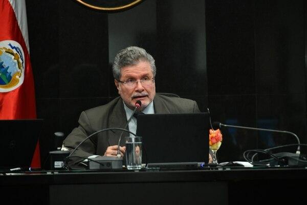 Fernando Cruz completa, el 18 de octubre, su segundo periodo como magistrado de la Sala Constitucional. Foto: Jorge Castillo