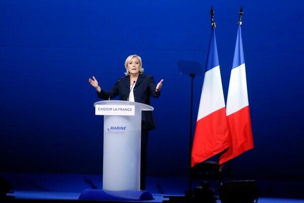La candidata presidencial del Frente Nacional, Marine Le Pen, participó este lunes en un acto en la ciudad de Villepinte.