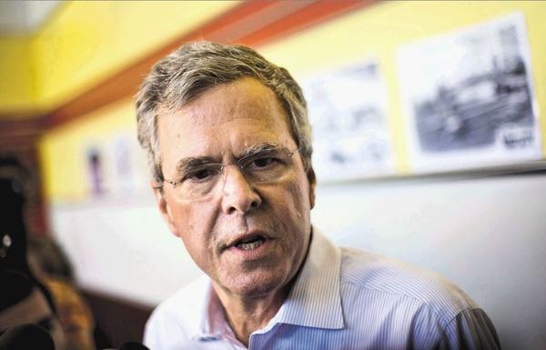 Jeb Bush es uno de los candidatos más fuertes; su apellido es de sus mayores atributos. Foto: AP