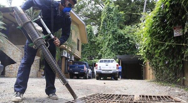 (Video) Vecinos de Jacó reaccionan ante el avance del zika