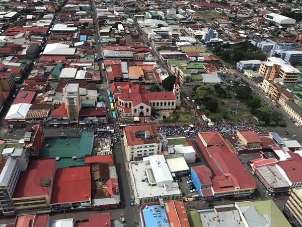 La marcha desde las alturas. Cercanías del Hospital San Juan de Dios e Iglesia La Merced.
