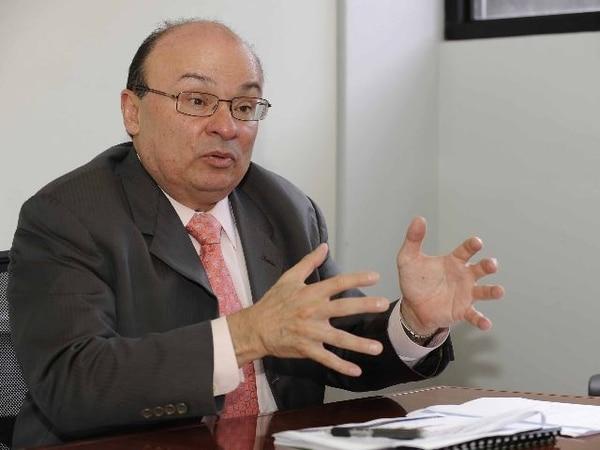 El anuncio lo hizo Rodrigo Bolaños, presidente del BCCR.   ARCHIVO