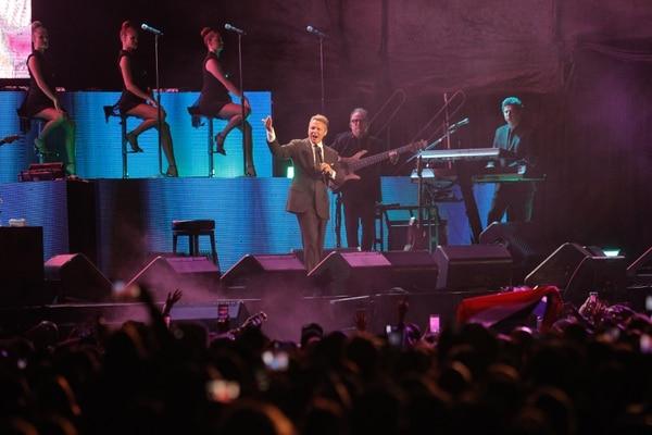 Luis Miguel dio un espectáculo con altos y bajos, eso sí, su voz fue impecable. Foto Jeffrey Zamora