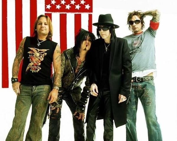 Vince, Nikki, Mick, y Tommy: el Crüe.