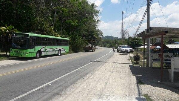 El accidente ocurrió al frente de la Escuela La Mona, en Golfito de Puntarenas.