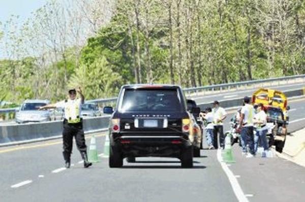 La restricción vehicular estará hoy suspendida. | ARCHIVO.
