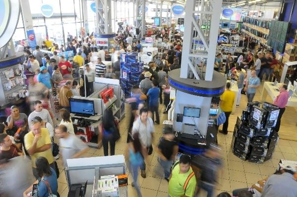 Las tiendas se Multiplaza se prepararon con gran cantidad de mercadería. | LUIS NAVARRO.