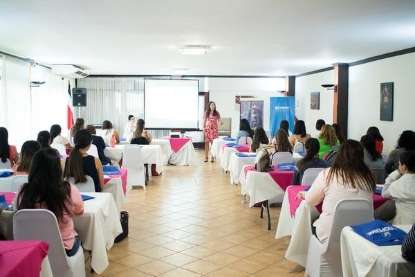 Ariana Fernández presentó por primera vez el taller ¿Cómo vestir el alma? hace unos meses. Fotografía: Cortesía Ariana Fernández.