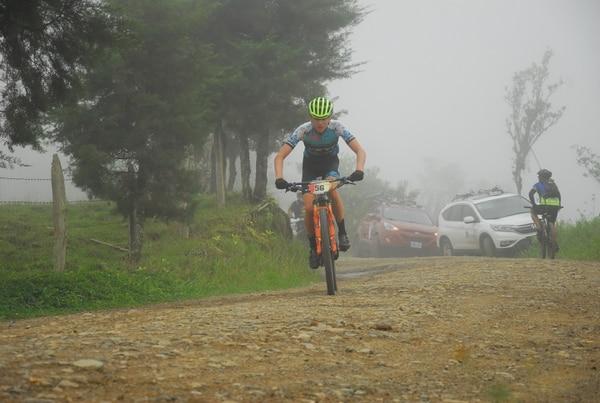Jonathan Quesada, del equipo de Mecatronics, se adjudicó la quinta fecha de la Copa Endurance en San Marcos de Tarrazú, en un evento muy exigente por la alta montaña. Fotografía: Targua Artes graficas