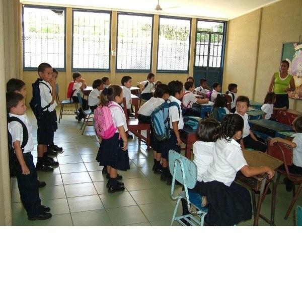 La beca regular de Fonabe beneficia a 185.000 más de personas. | ARCHIVO // ROLANDO ÁVILES