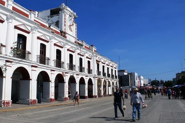 Vista del Ayuntamiento de Juchitán de Zaragoza, estado de Oaxaca, México, que fue dañado por el terremoto del 7 de septiembre del año pasado. Foto: AFP