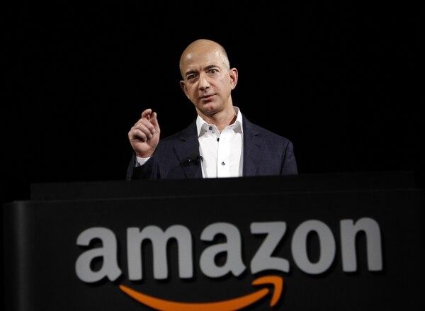 Jeff Bezos fue evacuado de emergencia el 1° de enero del archipiélago ecuatoriano de Galápagos por un cólico renal.