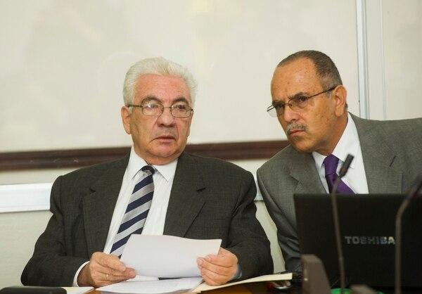 Carlos Obregón (izq) y su asesor de prensa Elberth Durán.   RONALD PÉREZ