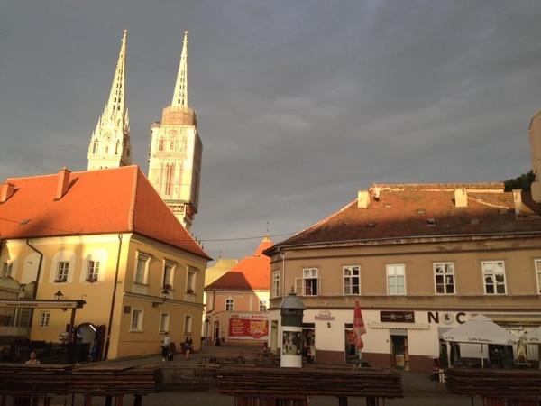 La Catedral de Zagreb al fondo. Fotografía: Jairo VIllegas S.