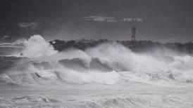 Tifón Haishen golpea Japón con vientos violentos y fuertes lluvias