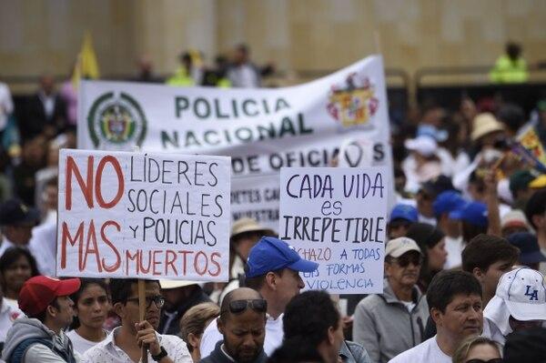 Miles de personas repudiaron el terrorismo, el domingo 20 d eenero del 2019, durante una marcha en Bogotá.