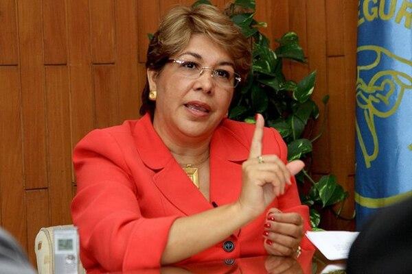 Siprocimeca dijo que en las próximas horas notificará a la presidenta de la Caja, Ileana Balmaceda, sobre su expulsión del grupo laboral. | ARCHIVO.
