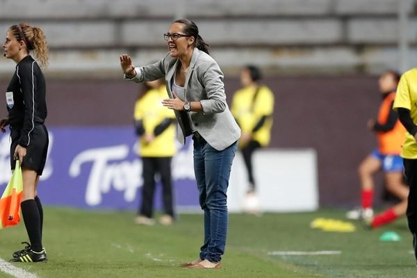 Amelia Valverde, entrenador de la Selección Mayor femenina. Fotografía: José Cordero.
