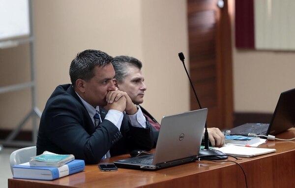 El fiscal Julio Campos, izquerda, fue quien hizo pública la queja durante la audiencia de este viernes. A su lado otro el otro fiscal Luis Quesada.