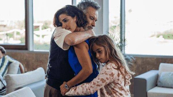 'Vivir dos veces' puede verse en Netflix. Es protagonizada por Óscar Martínez, Inma Cuesta y Mafalda Carbonell. Foto: Netflix.