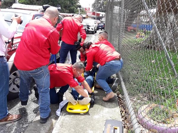 El simulacro implicó la atención de personas, quienes fingieron estar heridas. Foto: Keyna Calderón, corresponsal GN