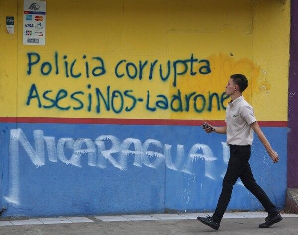 Un grafiti en Managua criticaba la actuación de la Policía en las recientes protestas antigubernamentales en Nicaragua