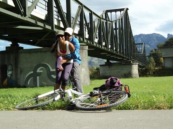 La tica Priscilla Leiva López y su esposo, Roman Dudler, en Liechtenstein.