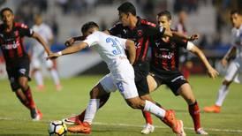 Alajuelense cae 0-2 en Honduras y queda obligada a remontar