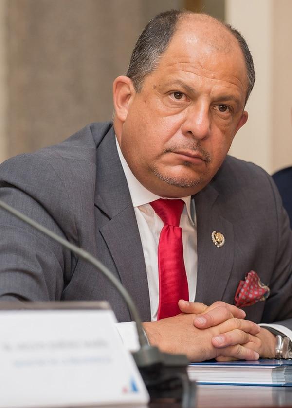 El presidente Luis Guillermo Solís dijo ayer que conoce a su actual embajador en Caracas desde que este era dirigente en el PAC. | PRESIDENCIA