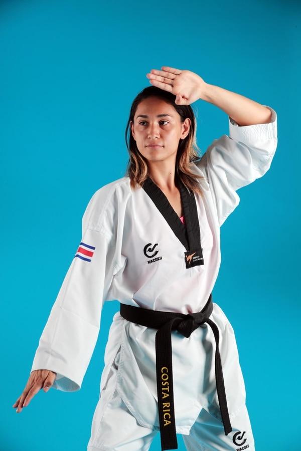 Katherine Alvarado es una de las taekwondistas ticas que viajará a Lima. foto Alonso Tenorio