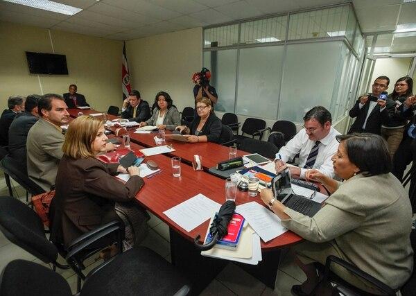 Víctor Morales se ausentó ayer de la reunión de fracción del PAC para ir a la Sala Constitucional a interponer un recurso de amparo. | JORGE ARCE