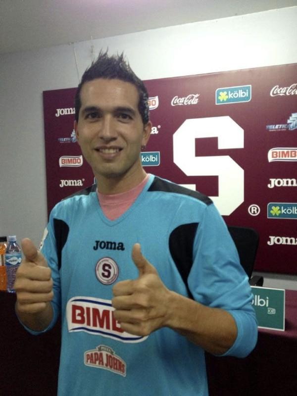 Adrián de Lemos estuvo en Pérez Zeledón por tres años. Ayer el meta firmó por seis meses con el Saprissa.   CORTESÍA SAPRISSA DE CORAZÓN.